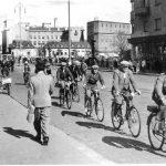 hameensillalla-1940-luvun-alku-pyorailijat